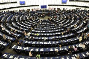 Svårförståeligt. Många väljare säger sig vara för oinsatta för att rösta i valet till EU-parlamentet. Bilden visar mötessalen. Foto: Maja Suslin/Scanpix/TT
