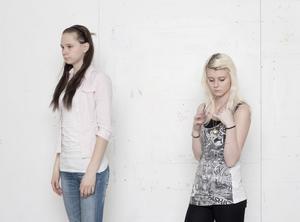 In Line II, Peirone har fotograferat modellerna som väntar på att fotograferas för ett annat projekt.