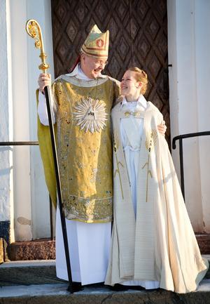 Biskop Johan Dalman och Åsa Lindgren.