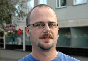 Kjell Hentilä, Sverigedemokraterna:– Bredbandsuppkopplingen är ett stort problem.– Vi vill förbättra kommunikationerna överlag.