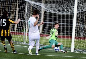 Ånges Oskar Nordlund fortsätter att trycka in bollar i fotbollstvåan. Under söndagen kom hans nionde.