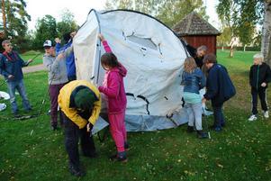 ... står det inte på förrän ShelterBox-tältet börjar ta form.