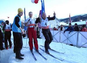 Bobbo Nordenskiöld och Hans Fahlén – lagkamrater och Åreprofiler – hade en bra dag med sin team mate Sara Mancuso.