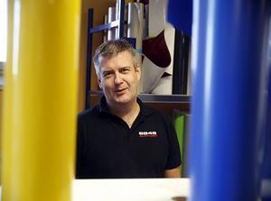 Trots mycket långa arbetsveckor ångrar inte Rolf Jonsson att han blev småföretagare.