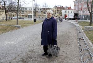 – Parken är fin. Den är mer öppen än förr, och när det blir grönt blir det ännu finare, säger Ulla Westin, Hudiksvall.