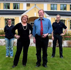Anne Mähler och Peter Hollbrink stöttar Ewa Söderberg och Hans Hedlund att bli hälsosammare