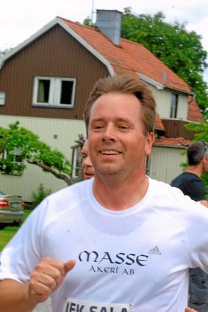 Mats Olsson, Sala, ser ut att trivas.
