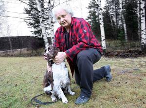Den som läst Göran Greider genom åren har fått veta en hel del om hans relation till sin hund.