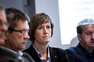 Landstingets personaldirektör Anna Cederlöf får 874 500 för att sluta fyra månader tidigare.