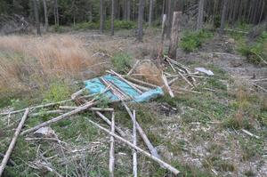 Flera älgpass har vandaliserats i Rättvik.