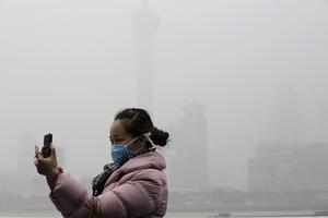 Luftföroreningarna är ett stort problem i Kina. Här i Shanghai.