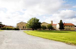 Fängelset i Ulriksfors lades ner 1979. I dag delar flera företag på lokalerna på området.