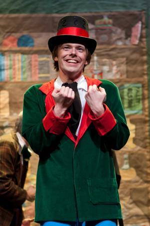 Oscar Rosenstam från Kolsva är en av aktörerna i årets Chalmersspex.