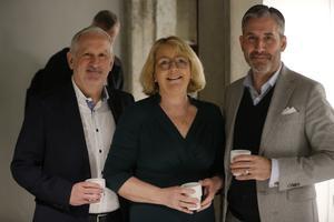 Juan Copovi Mena, vd Telge, Irene Svenonius (M), finansregionråd och Rickard Sundbom, stadsdirektör Södertälje.