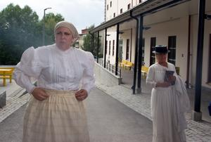 Grönborgs var en gränszon mellan brand och icke-brand. Frida Lundström och Tina Johansson dramatiserar människor som mötte infernot.