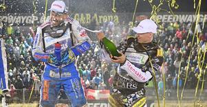 Förra året fick Fredrik Lindgren spruta champagne som VM-trea. I år siktar han på att kliva högst upp på pallen. Foto: Mikael Fritzon/TT