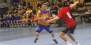 Efter åtta raka hemmaförluster tog Karl Zetterlunds Lif Lindesberg på söndagen andra raka segern  i Lindesberg arena.