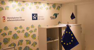 Flera har slutat på den nybildade Myndigheten för arbetsmiljökunskap vars medarbetare har sin bas vid Stortorget i Gävle, i öppet kontorslandskap som delas med Svenska ESF-rådet och Tillväxtverket.