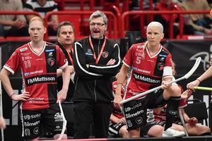 Ulf Hallstensson återvänder till Kais Mora. Här syns han tillsammans med Johanna Hultgren och Anna Wijk i samband med SM-finalen i våras. Bakom trion skymtar Roger Jonsson fram. Foto: Jonas Ekströmer/TT
