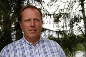 Magnus Ståhl, ordförande i Mellanskog, Ljusdal, förbereder sig för ett långt efterarbete när bränderna är släckta.