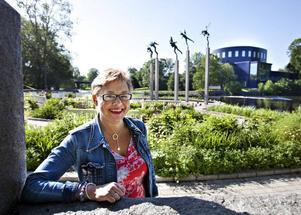 Marita Engström, V1. Gävle kommun ska vara en bra arbetsgivare. Jämställda, rätt visa och schyssta löner är en del i det, liksom möjligheten till vidareutbildning och kompetenshöjning.2. Att utöka nattisverksamheten ännu mer. Det ska finnasbarnomsorg att tillgå även på kvällar och helger.3. Skapa arbete åt människor med funktionsnedsättningar.