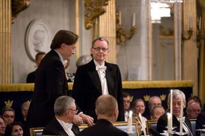 Horace Engdahl välkomnar sin vän Anders Olsson till Svenska Akademiens 2008.Foto: Anders Wiklund / SCANPIX
