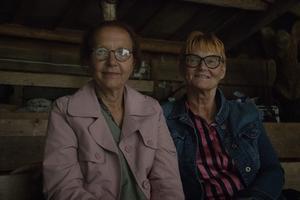 Siv Fladvad och Siv Näslund är barndomsvänner och delar idag barnbarn.