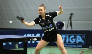 Anna Kirichenko, 22, gillade atmosfären i Domarhagens sporthall och vann två av tre singelmatcher mot Arvika.