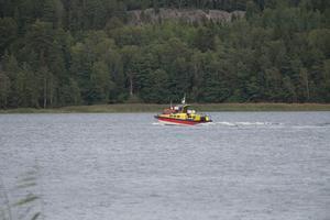 Pojken hittades i simmandes.