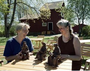 Ann-Cathrin Lennkvist var en av de konstnärer som ställde ut på Ulla Löfdahl Reimersons galleri Vads kvarn i Ransta. Foto: Per G Norén