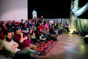Välbesökt folkmusikgala i kulturhuset Gula villan i Järna. Foto: Mats Andersson