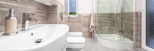Badrummet är ett utrymme som kräver vård och omtanke. Till synes bagatellartade fel kan annars bli allvarliga.   Foto: Shutterstock.com