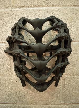 Lisa Wallert inspireras av black- och death metal i sin konst.
