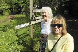 Gudrun och Monica, turister från Falun, njöt av besöket vid havet.