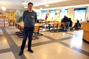 Anders Rosell jobbar här på Orsa Lärcentrum, där du också finner Resurscentrum.
