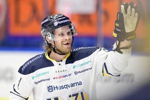 Mattias Tedenby kan lämna HV71 för spel med Davos i schweiziska NLA-klubben Davos.