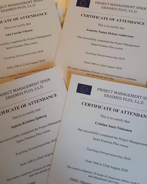 Efter avslutad utbildning fick alla diplom