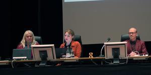 Fullmäktiges presidium. Karin Näsmark (S) andra vice ordförande, Linnea Haggren (KD) första vice ordförande och Thomas Andersson (C) ordförande.