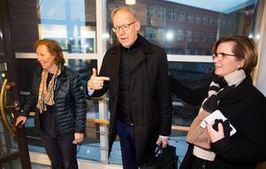Johan Söderström har stor hjälp av ABB Sveriges presschef Christine Gunnarsson och kommunikationschef Suzanne Lagerholm vad gäller medias intresse.