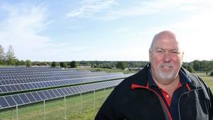 Per Nordin i september 2018 när han först visade solcellsparken.