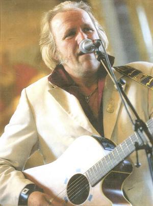 Kunglig rock. Göran Engman sjunger Elvis.