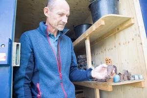 De har redan hittat flera ammunitionsdelar. – Det mesta är bara skrot, säger Patrik Blomander.