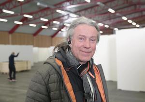 Nu är han i Smedjebacken, igen - mässfixaren Hasse Johansson.