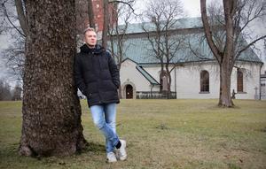 """""""Många tror att det är som en lampknapp – antingen är man kristen eller så är man det inte. Men det finns grader"""", säger Andreas Forsberg som kom in i kyrkans värld genom konfirmationen."""