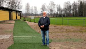 Stig Lindqvist visar stolt upp anläggningen vid Krylbo IP.
