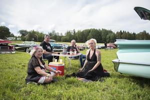 Carin Sollén, Lars Oddfors, Jonne Nordin och Viktoria Lidén hade tagit sig till Kyrkdal från Sollefteå i Jonnes Oldsmobile 59:a.