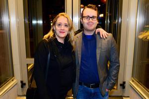 Mamma och son, Ann och Eric Ejerås, tog en nypa luft utanför E-street.