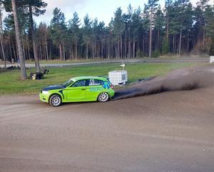 På lördag och söndag blir det tävling för rally- och rallycrossbilar i Laxå. Laxå motorklubb arrangerar deltävlingar i Svenska sprintserien. Foto: Laxå MK