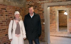 Johanna Ulfsdotter från Sundsvalls museum och Skifus vd Peter Clemin är  båda engagerade i upprustningen av Ismagasinet. Här i ett av de två sidorummen vid entrén.