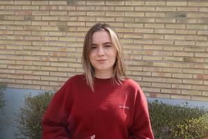 Josefiné Josefsson är född i den jämtländska byn Nordannälden och har vuxit upp i Slåtteråsen i Krokom och Östersund. Nu bor och studerar hon i Uppsala. Foto: Matilda Bergman